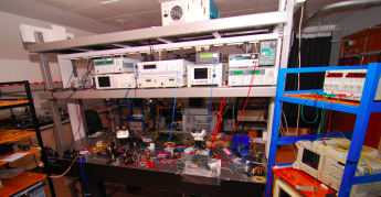 Laser_Dyn_Lab